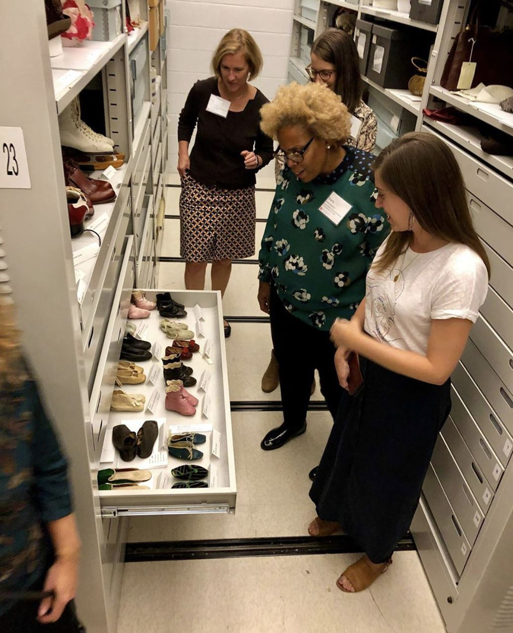 Thank you to the @albanyinstitute for hosting our October MANY Board Meeting and to CuratorMANY Board Member Diane Shewchuk for a look behind the scenes at the collections storage and of the Schuyler Sisters exhibition!