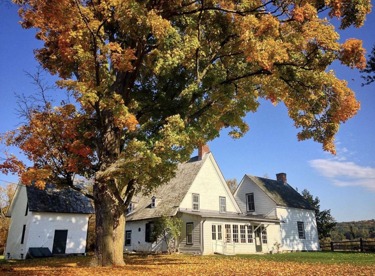 Cooler temperatures have us excited for fall, especially at Mabee Farm Historic Site! Built in 1705, Mabee Farm is the oldest farm in the Mohawk Valley and offers visitors a chance to explore their 1760s Dutch Barn, say hello to the Farm animals, and walk though the orchards, gardens, and forest trails. @schenectadyhistorical Join MANY at Mabee Farm on October 24 for a full day of workshop sessions including... Exclusive and Inclusive Behind the Scenes Tours for the 21st century with @rocrmsc, a @humanitiesny Workshop, and Expanding Visitor Experiences Engaging Tour Ideas for Historic Sites with @olanashs
